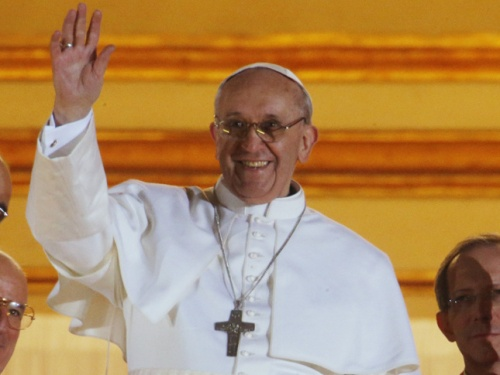 Imagen tomada de http://cdn.revistagq.com/uploads/images/thumbs/201311/papa_francisco_i_1596_645x.jpg