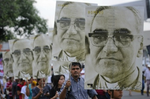 Imagen tomada de http://saltandlighttv.org/blog/saints-and-blesseds/sl-to-air-beatification-of-archbishop-oscar-romero